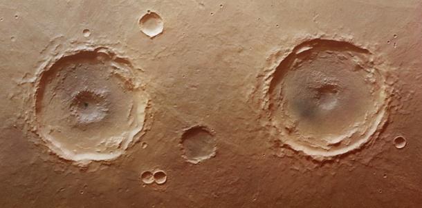 5736757-les-jumeaux-de-la-planete-mars