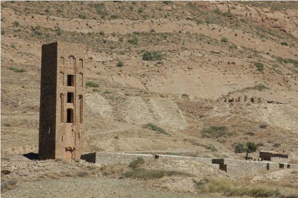 Kalaa Beni Hammad 09 2004 036