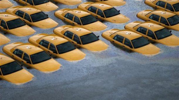 AFP_130610_3h5z1_taxi-inondation-sandy_sn635