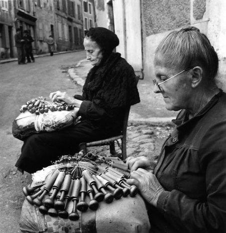diaporama,1635-15-Dentellieres-au-Puy,aout-1950