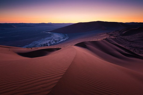 admirez-le-magnifique-desert-de-namibie-grace-a-ces-fantastiques-photographies23
