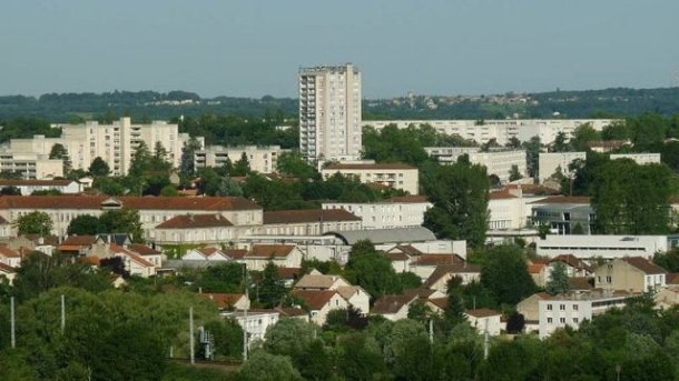 800px-angouleme_grande_garenne