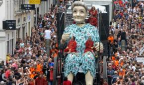 Nantes : Les Géants du Royal de Luxe investissent laville