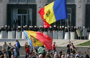 Après l'Ukraine, la Moldavie elle aussi déchirée entre l'UE et laRussie