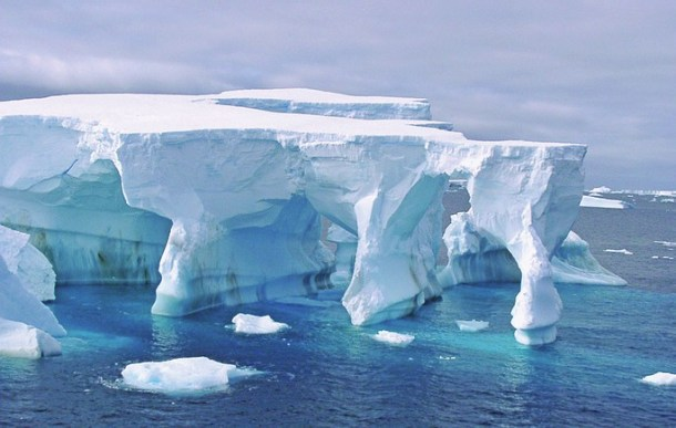 Antarctique - arches de glace