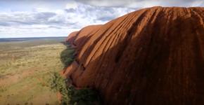 Australie : Vol au dessusd'Uluru