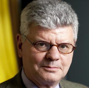Michel Foucher : «On assiste à la réaffirmation des frontières… qui n'avaient jamais disparu!»
