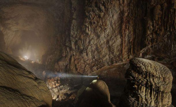 hang-son-doong-cave-vietnam-1-810x494