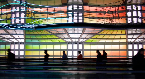 chicago-o'hare-airport-colorful-walkway