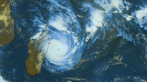 Les cyclones tropicaux sont capables de transformer la croûteterrestre